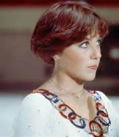 stacked bob haircutdorothy hamill hair trendy wendy wednesday wendy gets a haircut
