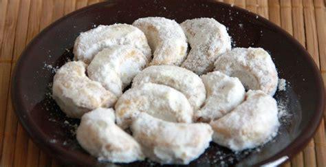 cara membuat kue kering putri salju tanpa kacang resep kue kering putri salju bellarosa