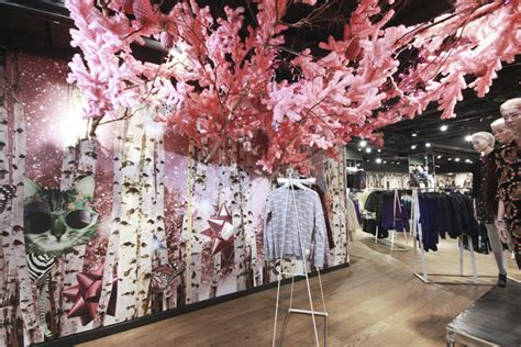 topshop emma cook christmas installation by studioxag