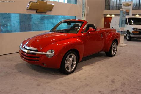 auto body repair training 2005 chevrolet ssr navigation system 2004 chevrolet ssr history pictures sales value research and news