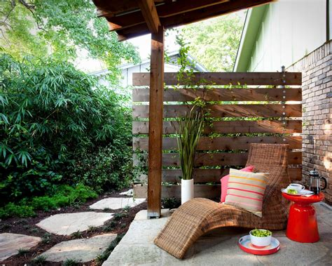 Patio Walls For Privacy by Pictures And Tips For Small Patios Outdoor Design