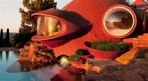 keren  rumah unik berbentuk kapal selam  prancis