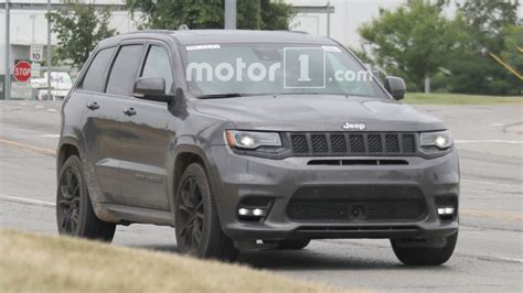 700 hp jeep hellcat 700 hp jeep grand trackhawk may debut in april
