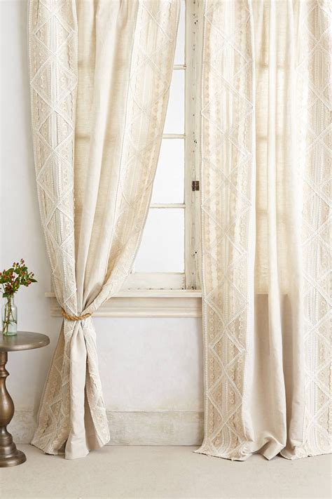 7 Gorgeous Curtains From Anthropologie by Appliqued Lace Curtain Anthropologie And Modern
