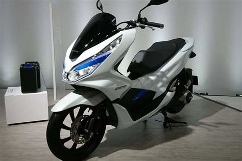 Pcx 2018 Eletrica by Honda Pcx Electric And Hybrid Scooter Asia Sales To Begin