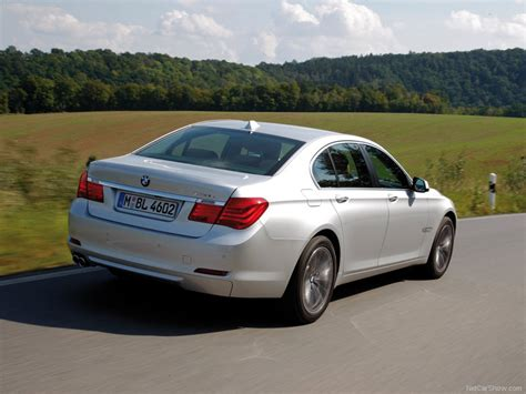 bmw  picture    rear angle