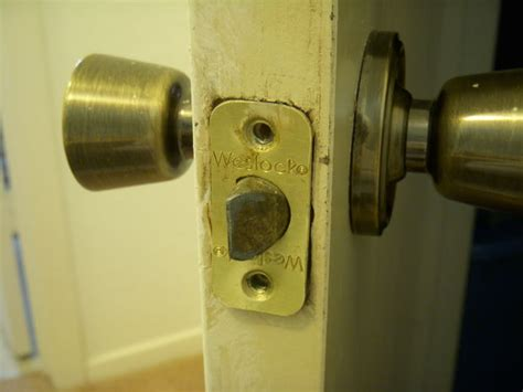 How To Remove A Door Knob That Is Stuck by How To Remove And Replace A Weslock Doorknob
