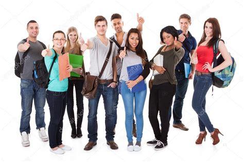 imagenes estudiantes sin copyright estudiantes universitarios seguro caminar sobre fondo