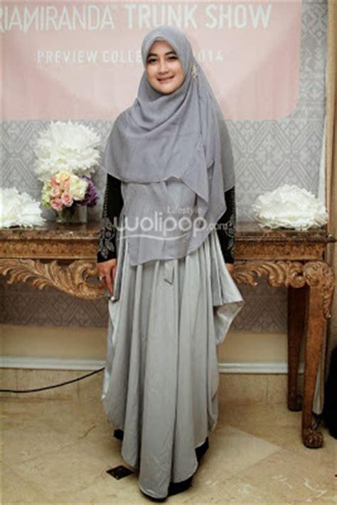 15 desain baju muslim umi pipik dian irawati terbaik kumpulan model baju muslim terbaik dan