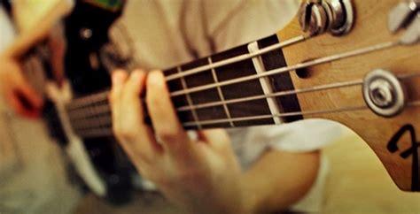 cara bermain gitar dengan baik dan benar nama nama teknik gitar b artikel musik indie