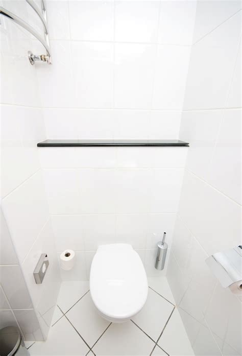 cleaning bathroom walls how to clean bathroom wall tiles simple tips to keep tiles grout clean