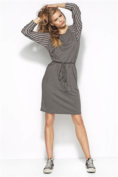 grey flecked dress with raglan striped sleeves and self