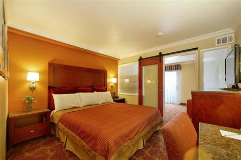 palms hotel rooms book desert palms hotel suites anaheim hotel deals