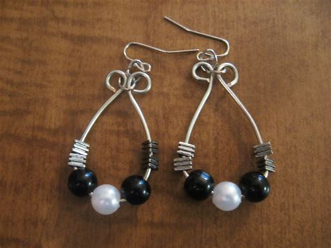 how to make wire wrapped jewelry 25 stylish tutorials for wire wrapped earrings guide