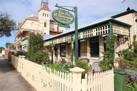 dining room picture of kia ora at queenscliff