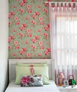 Outra vers 227 o de quarto verde rosa e branco aqui com papel de parede