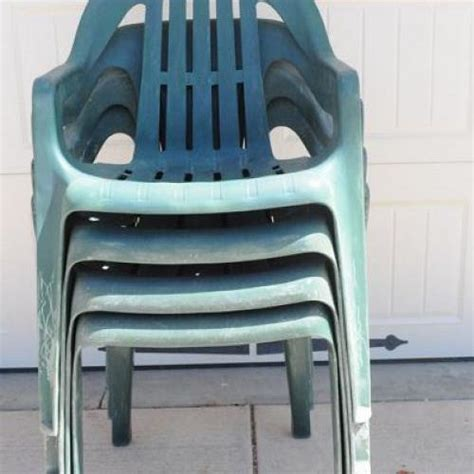 spray paint plastic chairs hometalk bring new to your plastic chairs with