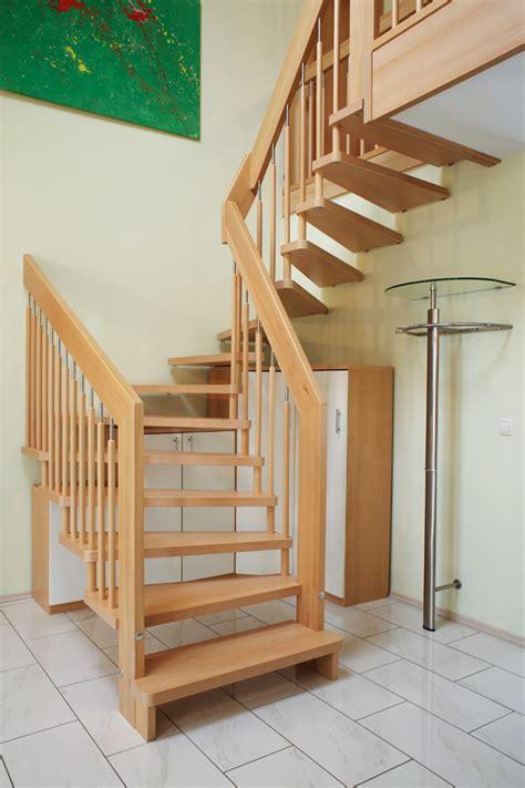 treppengeländer verkleiden holz dekor treppe
