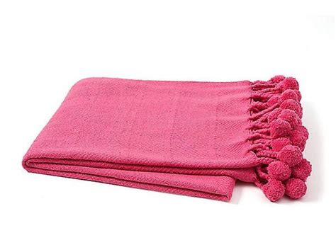 Pom Pom Throw in Hot Pink   Hattan Home