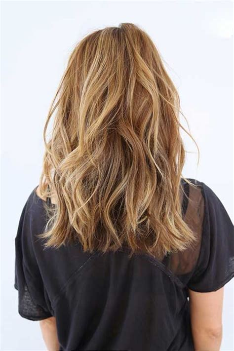 images front and back choppy med lengh hairstyles 25 best ideas about long wavy haircuts on pinterest mid