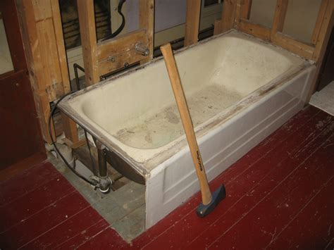 How To Clean A Cast Iron Bathtub by Androscoggin Bloggin How To Remove A 248 Pound Cast Iron