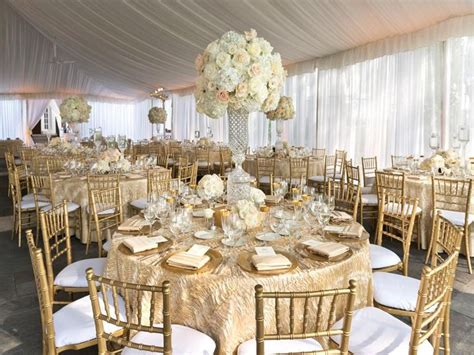 wedding table overlays for a gorgeous gilded wedding use luxurious textured table
