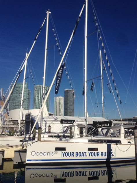 miami boat show beneteau the beneteau oceanis 38 is honored at miami boat show
