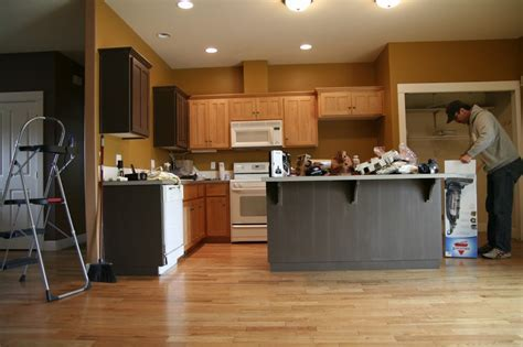 Kitchen Wall Color Ideas With Maple Cabinets Kitchen Paint