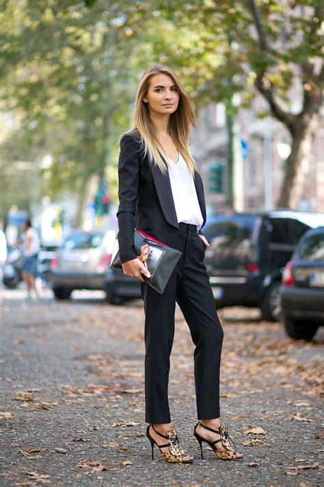 Sandal Wedges Wanita Casual Formal Trendy Simpel Elegan Sumiko Pn 02 2 2018 trend report statement trousers for 2018