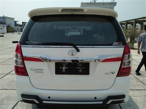 Toyota Kijang Innova V 2014 kijang innova v 2 0 tahun 2014 matic putih mobilbekas