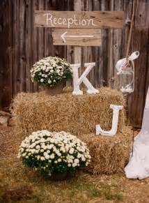 country wedding decor 10 rustic wedding details we