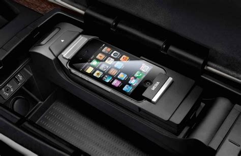 Bmw 2er Wireless Charging by Bmw Genuine Apple Iphone 4 4s Media Snap In Adapter Cradle