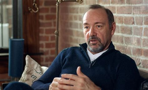kevin spacey    risks     bed   morning  dissolve