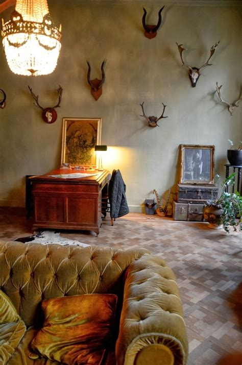 savvy southern style decorating with antlers savvy southern style decorating with antlers