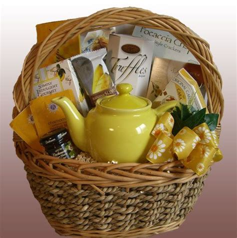 bridal shower gift basket prize ideas 25 best ideas about raffle baskets on auction