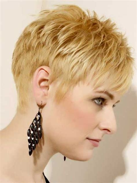 Razor Cut Hairstyles For Older Women With Wavy Hair | 25 popular layered short haircuts short hairstyles 2017