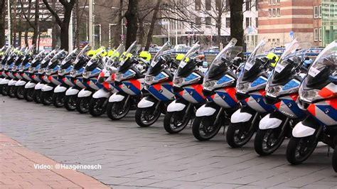 politiemotoren op rij bij nss overleg