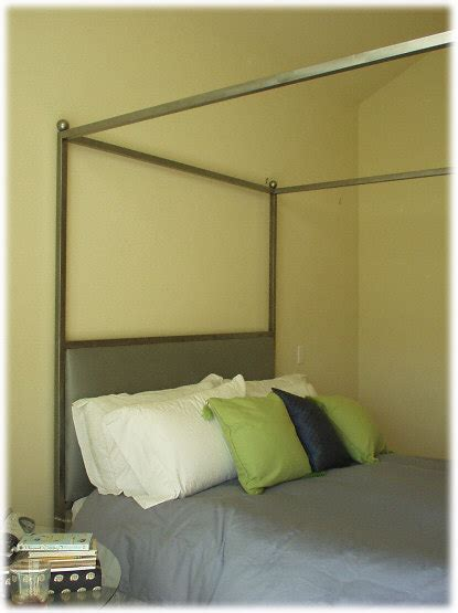 Ideas For Decorating Your Bedroom Ohmyapartment Curtain Bed Frame