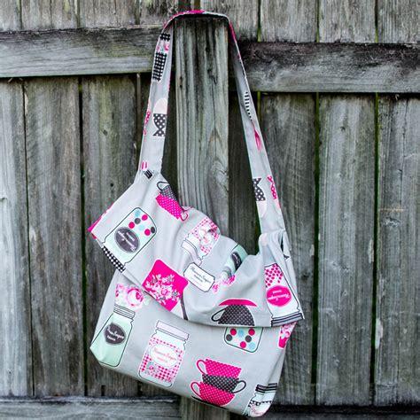 pattern for fabric bag 1 yard magic messenger bag from lecien fabrics free