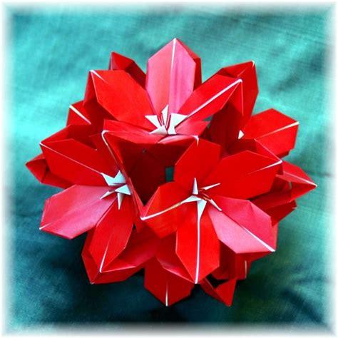Origami Poinsettia - museum theater of origami