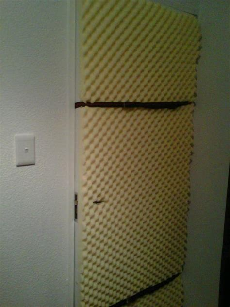 how to soundproof bedroom soundproofing apartment door