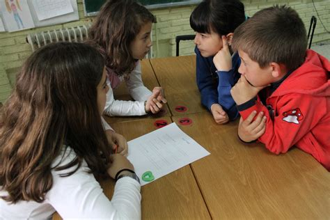 imagenes niños trabajando en la escuela el aprendizaje cooperativo sigue avanzando colegio