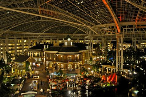 Beautiful Things To Do In Nashville For Christmas #1: Gaylord-opryland-hotel-delta-island.jpg
