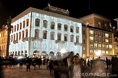 libro time out florence city christmas lights in florence city center italy editorial photography image 28430982