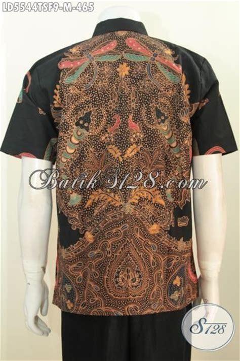 desain baju batik lelaki baju kemeja batik tulis warna soga dengan desain keren pas