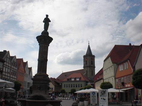 wohnungen in bad neustadt an der saale file marktplatz mit stadtpfarrkirche in bad neustadt an