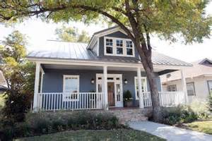 What Home Design App Does Fixer Upper Use 1905 Craftsman Fixer Upper For Two Fearless Newlyweds