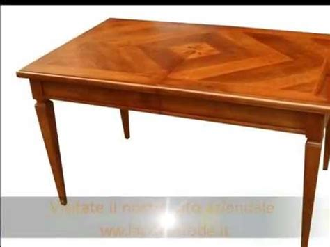 tavoli intarsiati in legno produzione di tavoli eleganti classici con piani