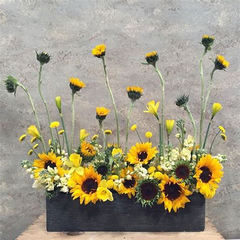 sunflower arrangements ideas best 25 sunflower arrangements ideas on
