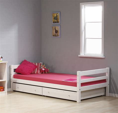 Teen Girls Bedroom Furniture Ideas Using White Wooden Single Bed Bedroom Ideas